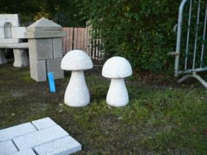 Champignons décoratifs en pierre